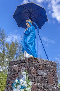 vierge au parasol, route des laves, île de la Réunion