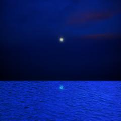 海と満月のコラージュ 青イメージ