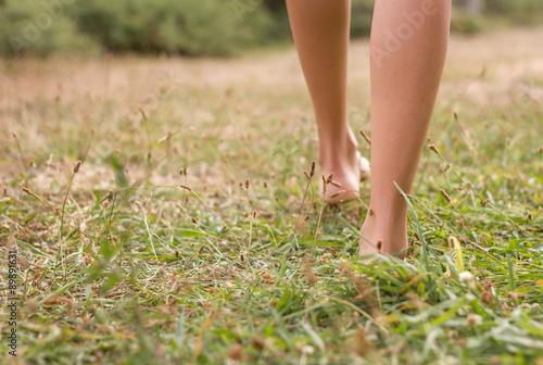 molodie-zhenskie-nogi