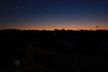 Cala la notte a Rodi Town