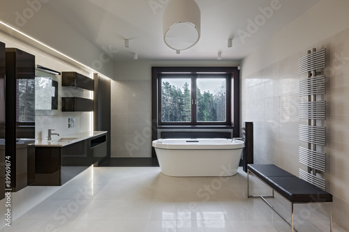 Luxury Bathroom Interior Stockfotos Und Lizenzfreie Bilder Auf