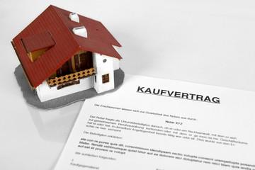 Kaufvertrag Haus Unterschreiben Buy This Stock Photo And Explore