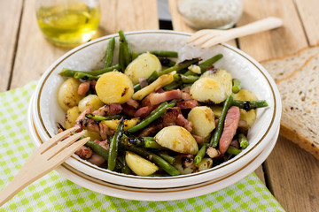 Warm potato salad with green beans and bacon