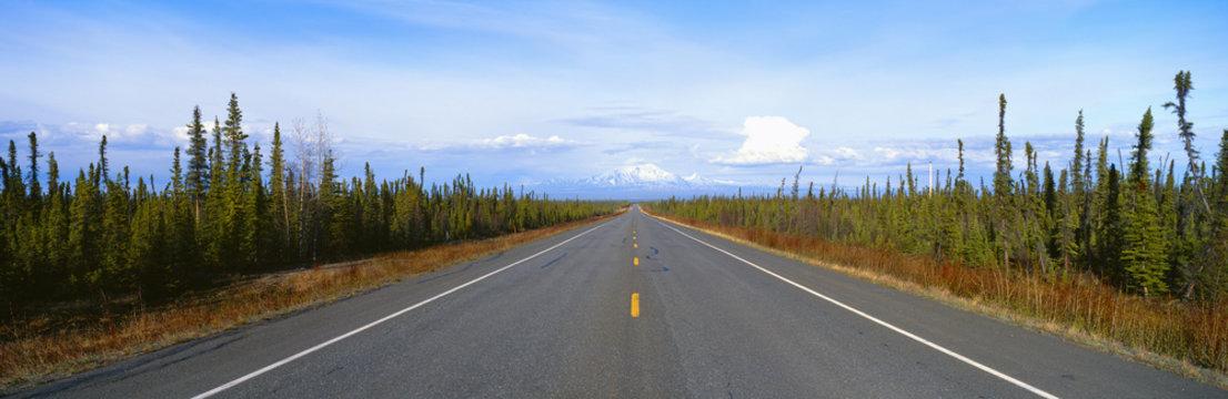 Road to Wrangell, St. Elias National Park, Alaska