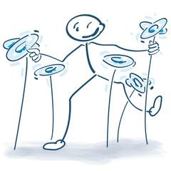 Strichmännchen mit Tellern, Kontrolle und Multitasking