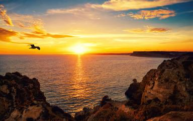 Obraz Tranquil sunset scene at the ocean - fototapety do salonu