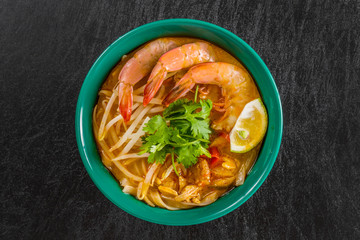 えびのラクサ アジア麺 Curry of Malaysian dish prawns Laksa