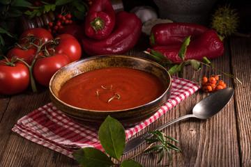 Paprika-Tomaten -Soup