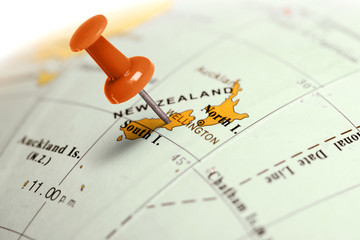 Foto op Plexiglas Nieuw Zeeland Location New Zealand. Red pin on the map.