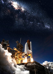 Fototapete - Space shuttle taking off on a mission