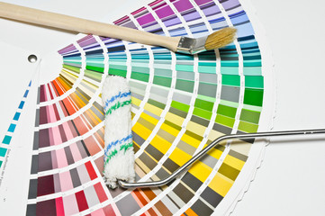 Bilder und videos suchen farbberatung - Farbtafeln wandfarbe ...