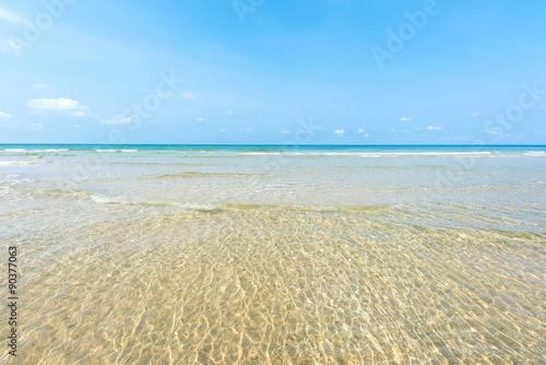 Wall mural Beautiful shallow  beach at Koh Chang island ,Thailand