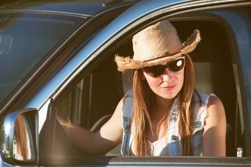 country fashion woman on a roadtrip