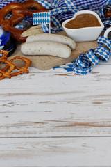 Weißwurst mit Brezeln und Senf