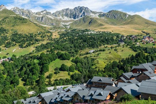 paysage montagne chalets