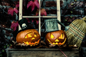 lustige Halloween Geister Kürbisse mit Kerze