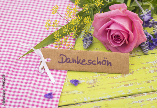 danke sagen dankesch n karte schild mit blumen. Black Bedroom Furniture Sets. Home Design Ideas