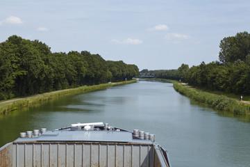 Bramsche (Deutschland) - Mittellandkanal mit Schiffsbug