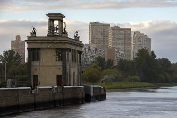 Шлюз 7 канала им. Москвы. Химкинское водохранилище.