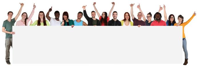 Multikulturell große Gruppe junge Leute People halten leer Schi