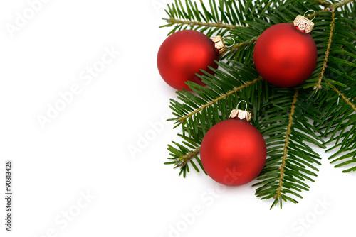 rote weihnachtskugeln mit tanne stockfotos und lizenzfreie bilder auf bild 90813425. Black Bedroom Furniture Sets. Home Design Ideas