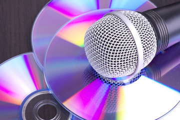 Microphone on cd discs