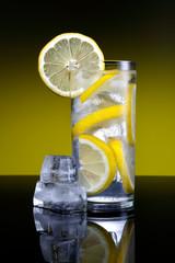 Lemonade with lemon slices