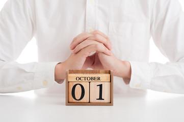 木製の日めくりカレンダー 10月