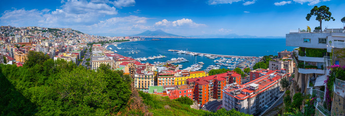 Foto op Plexiglas Napels Panorama of Naples, view of the port in the Gulf of Naples and Mount Vesuvius. The province of Campania. Italy.