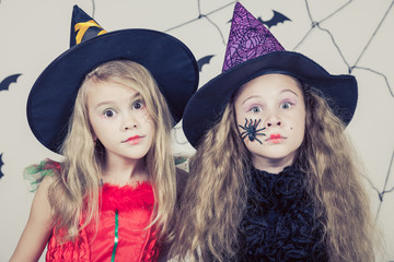 Wall Mural - Happy children on Halloween party