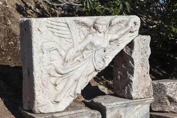 Эфес, Турция. Изображение богини победы Ника.
