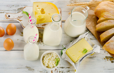Tuinposter Zuivelproducten Dairy products, bread and eggs