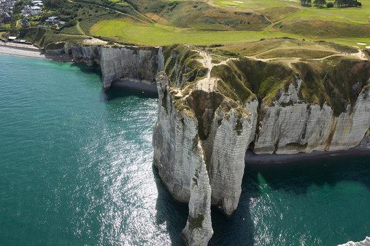 Arche et Aiguille de la falaise d''Etretat 76