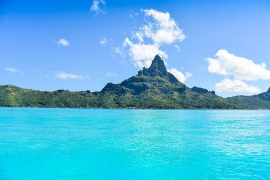 Montagna e mare di Bora Bora