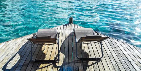 Lettini su oceano, polinesia