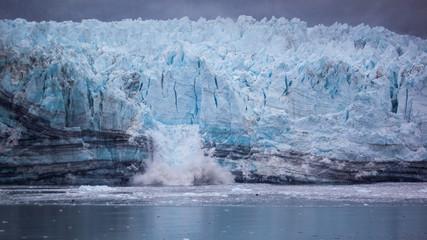 Fotobehang Gletsjers Calving Glacier in Glacier Bay National Park, Alaska