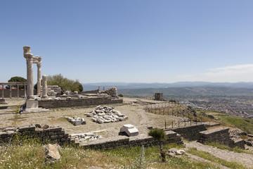 Акрополь Пергама. Турция. Руины храма Траяна.