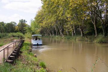 Canal du Midi zwischen Agde und Béziers