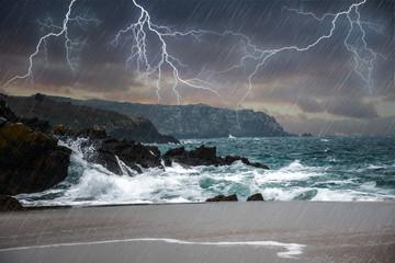 Photo sur Toile Tempete Orage en bord de mer