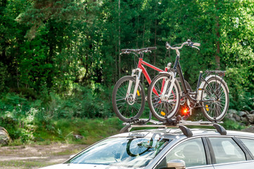 transportation of bicycles on the roof of the car