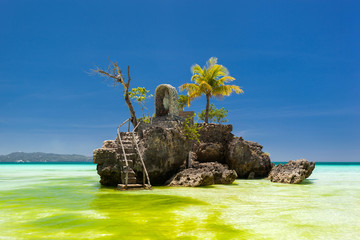 Fotobehang Eiland Willy's rock in Boracay, Philippines