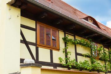 yellow studwork house - gelbes Fachwerkhaus