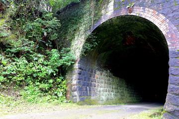 廃線になったトンネル