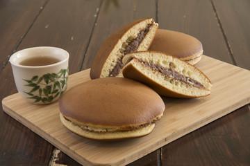 Thai tea crape cake  and tea