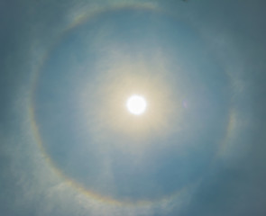 sun be encircled by a halo