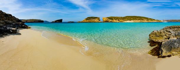 Obraz The Blue Lagoon on Comino Island, Malta Gozo - fototapety do salonu