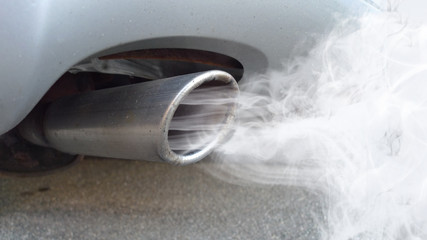 ccc6 CarCleaningConcept - german Autoauspuff mit Abgasqualm - english car exhaust with exhaust...