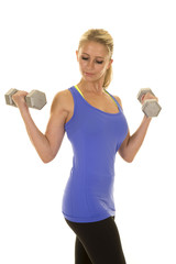 blond woman blue fitness tank weights