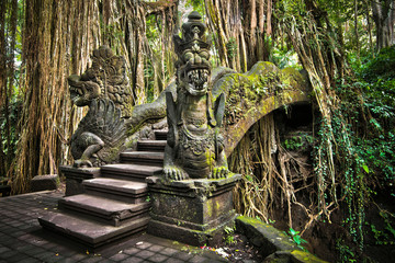 Photo sur Toile Indonésie Bridge at Monkey Forest Sanctuary in Ubud, Bali, Indonesia