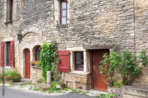 Devanture de maison ancienne bourguignonne photo libre - Devanture maison ...